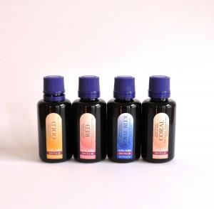 Die Aura Soma-Farbessenzen können innerlich angewandt die Farbe in unserem Inneren verbreiten.
